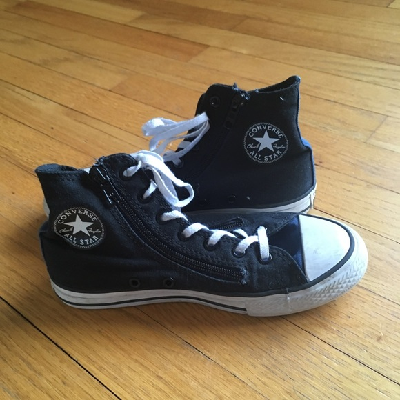 fdab3ad0782a Chuck Taylor Black Converse Size 3